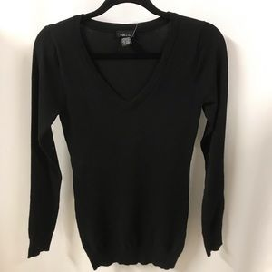 Black V Neck sweater long sleeve small NWT Rue21
